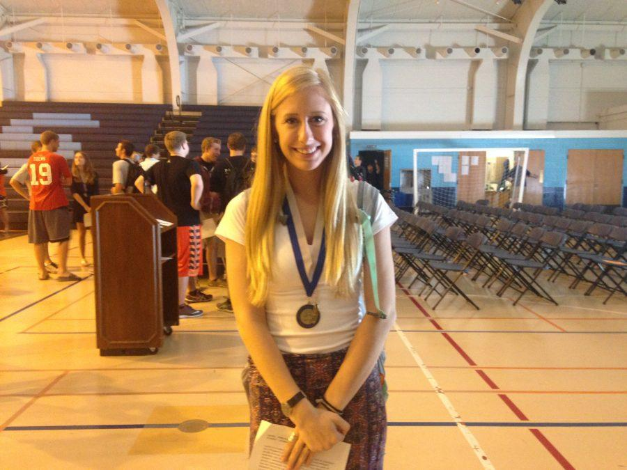 Senior+Lauren+Becherer+poses+proudly+with+her+Senior+Medallion.+Becherer+was+pleasantly+surprised+with+the+honor+of+being+awarded+with+this+year%27s+Principal%27s+Award.