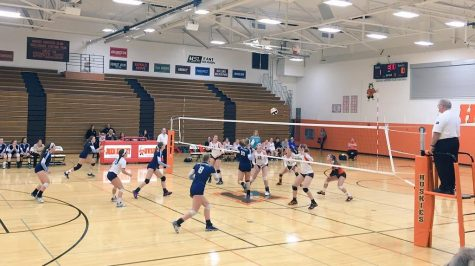 Girls' volleyball loses tight match at Hersey