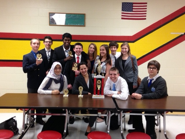 Debate+heads+to+ICDA+State+Competition
