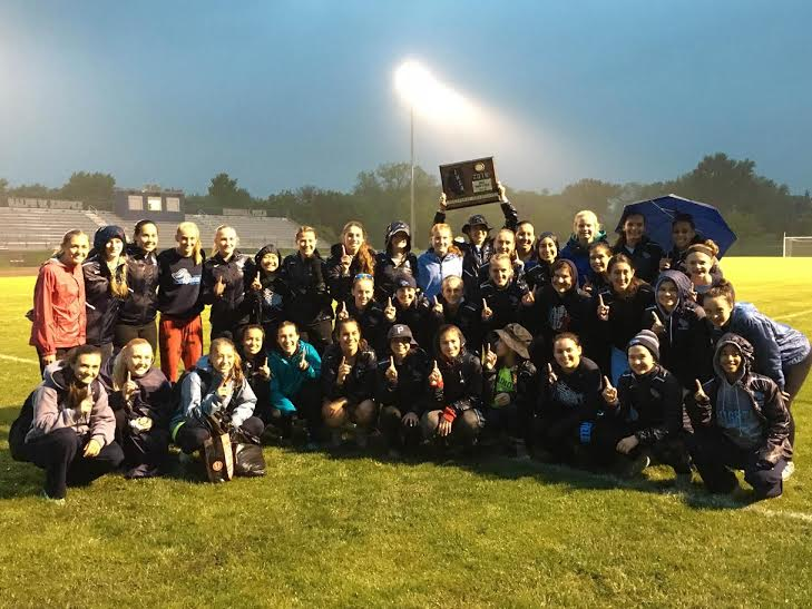 Girls%26%23039%3B+track+conquers+sectional+meet