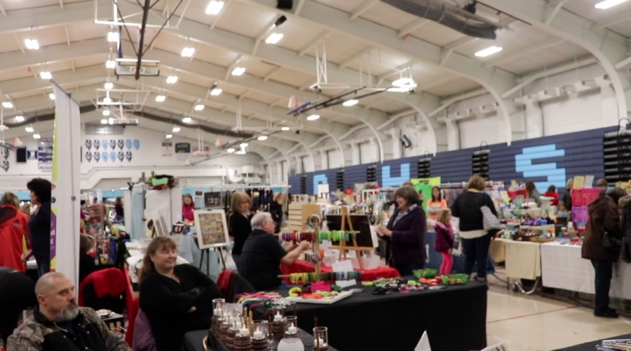 Community+embraces+craft+fair
