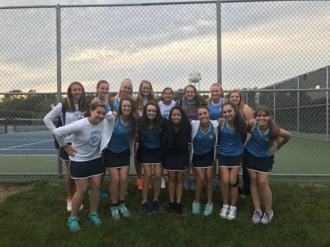 Girls' tennis wins first east title since 2004