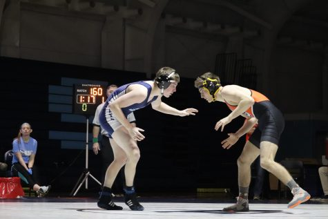 Boys' wrestling wins MSL East, regionals