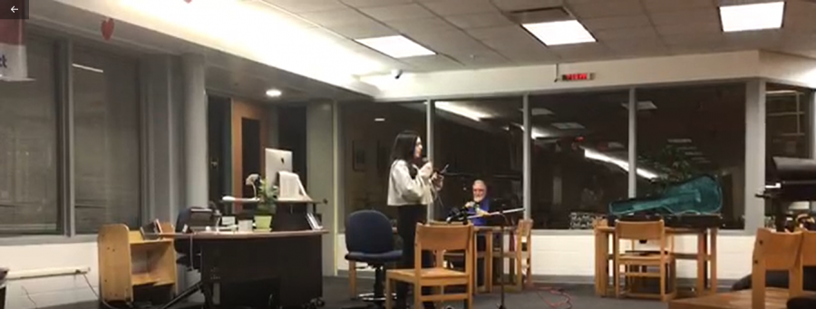 Roundtable hosts open mic night