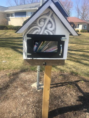 MINI LIBRARIES SERVE MOUNT PROSPECT